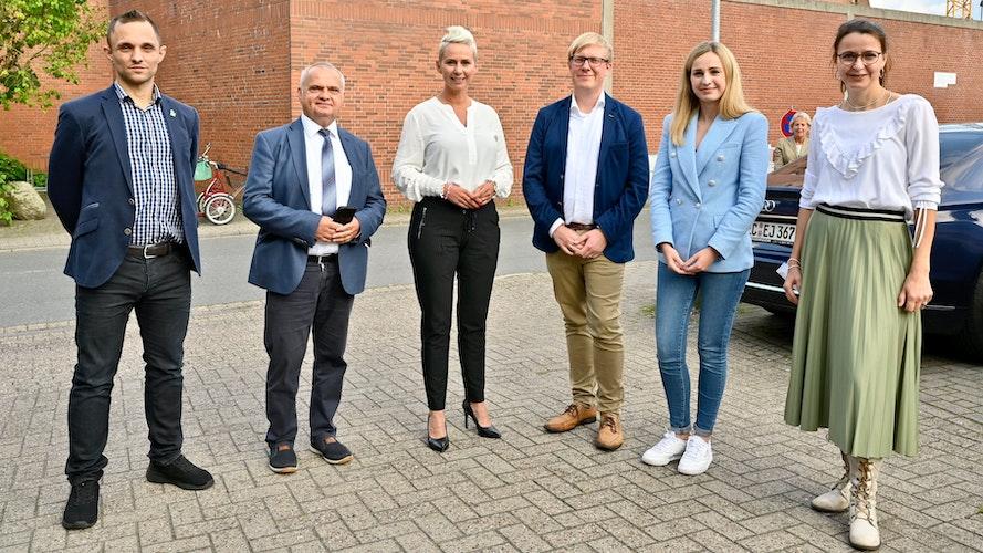 Sie alle wollen in den Bundestag:(von links) Tom Dobrowolski (Die Linke), Waldemar Herdt (AfD), Silvia Breher (CDU), Alexander Bartz (SPD), Carolin Abeln (FDP) und Tanja Meyer (Grüne). Foto: M. Niehues