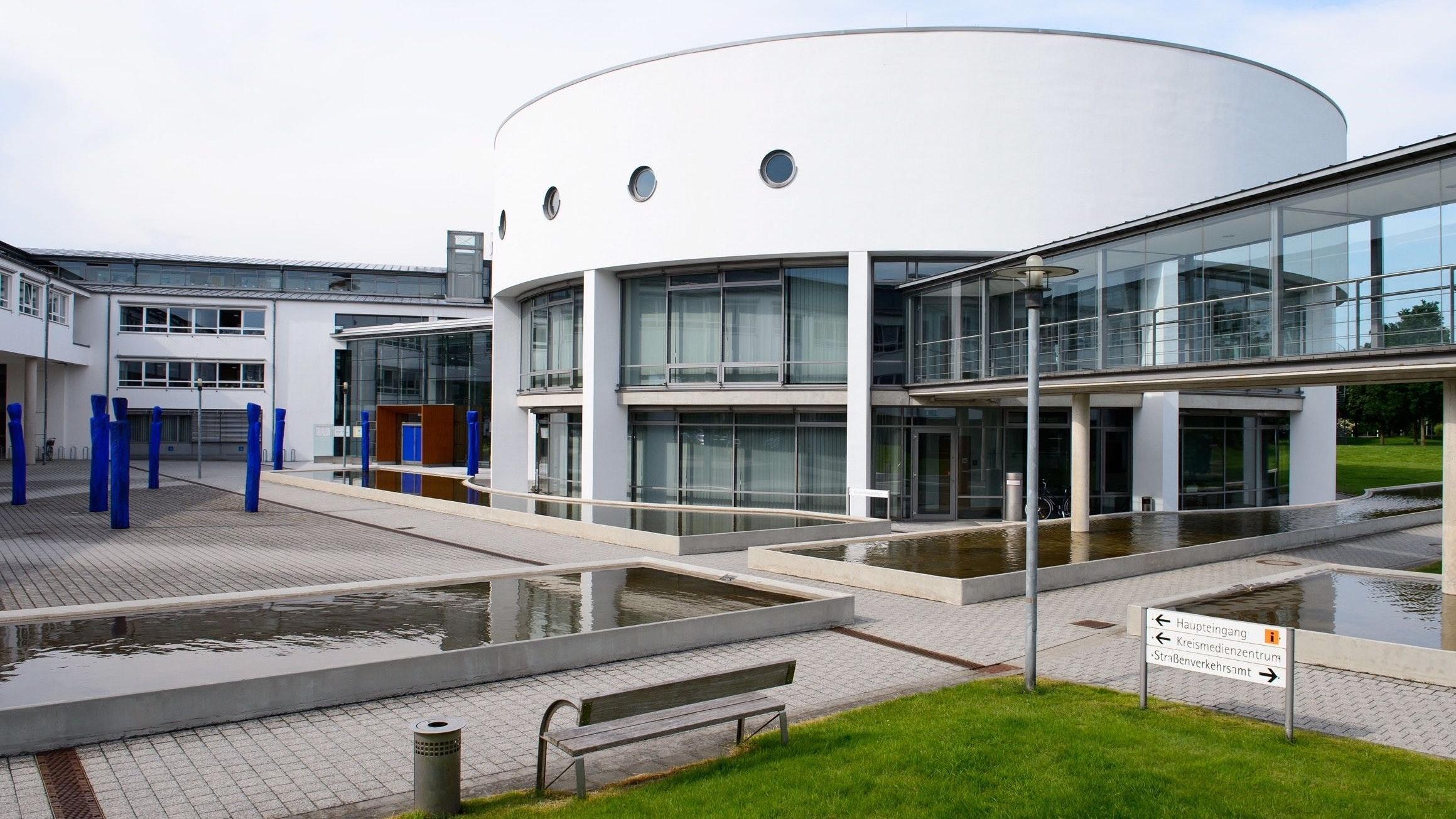 Politisches Zentrum vor Ort: der Vechtaer Kreistag. Foto: M. Niehues