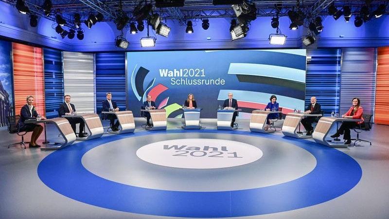 Alice Weidel , Christian Lindner, Markus Söder, Armin Laschet, Annalena Baerbock, Olaf Scholz und Janine Wissler. Foto: Tobias Schwarz / AFP-POOL / dpa