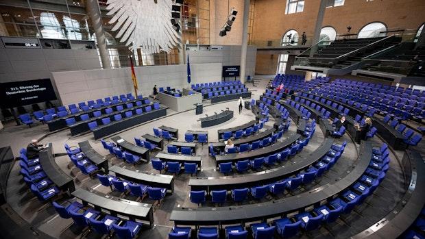 Wahlforscher: Bundestag könnte über 900 Abgeordnete zählen