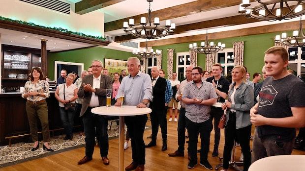 In Lindern zittern Parteifreunde mit Silvia Breher