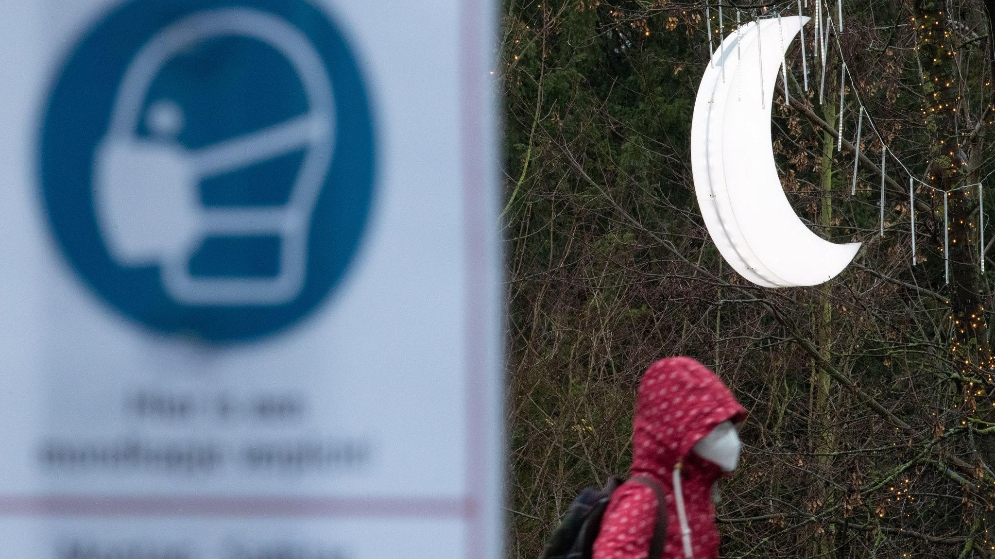 Aus mit nächtlicher Sperrstunde: Die stark gestiegene Inzidenzzahl ist in der Graftschaft Bentheim nach den Weihnachtstagen wieder gesunken. Symbolfoto: dpa