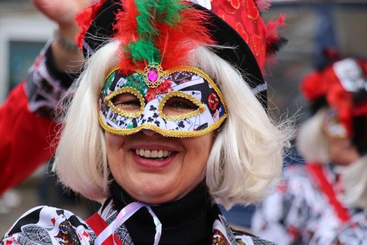 Tolle Masken: Gesucht werden Narren, die zeigen, wie sie sich in diesem Jahr für die Umzüge maskiert hätten. Foto: Lammert