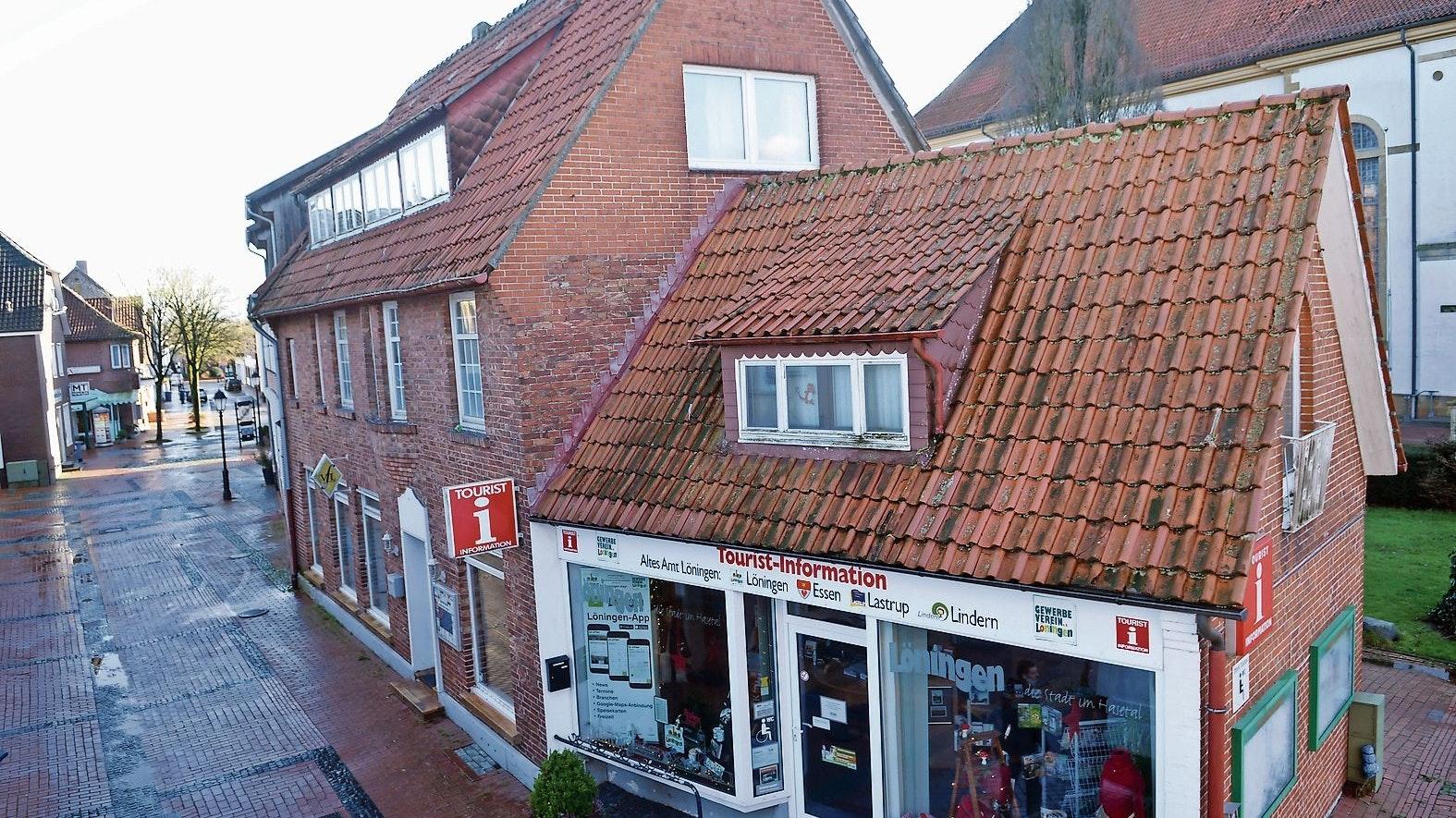 """Teil des historischen Gebäude-Ensembles rund um die Kirche: Die Stadt  hat das sogenannte """"Vogel-Haus"""" an der Langenstraße gekauft. Fotos: Willi Siemer"""
