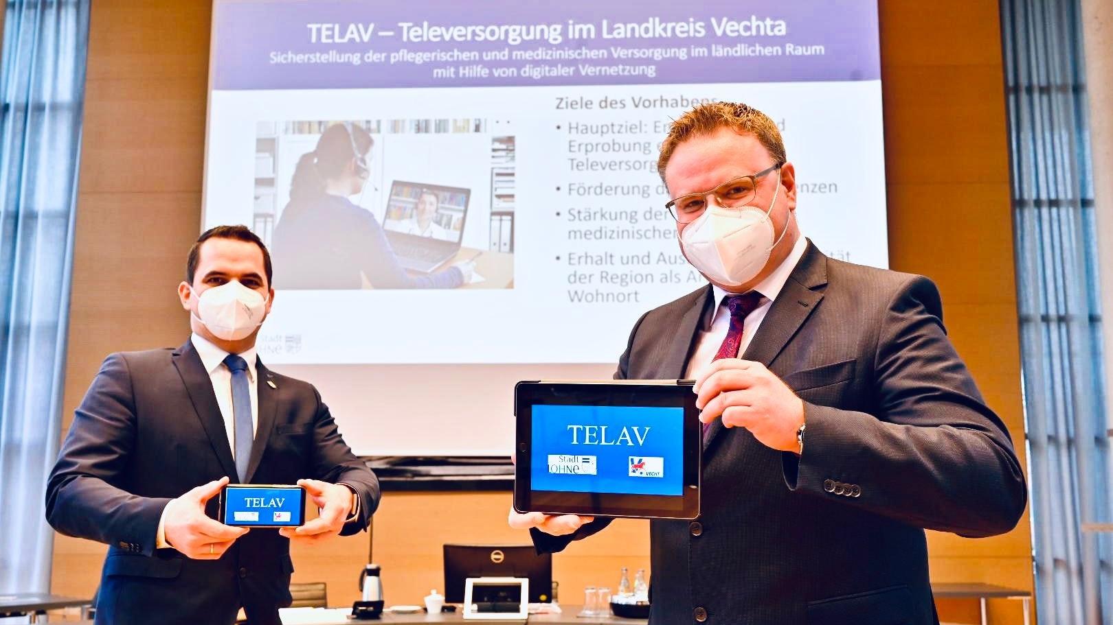 Treiben das Projekt voran: Bürgermeister Kristian Kater (links/Vechta) und Tobias Gerdesmeyer (Lohne). Foto: M. Niehues