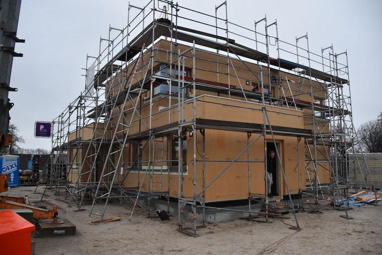 Südlich des Nachtigallenwegs: Ein Kubushaus mit 190 Quadratmetern Wohnfläche wird das neue Zuhause der Familie Speckmann. Foto: Timphaus