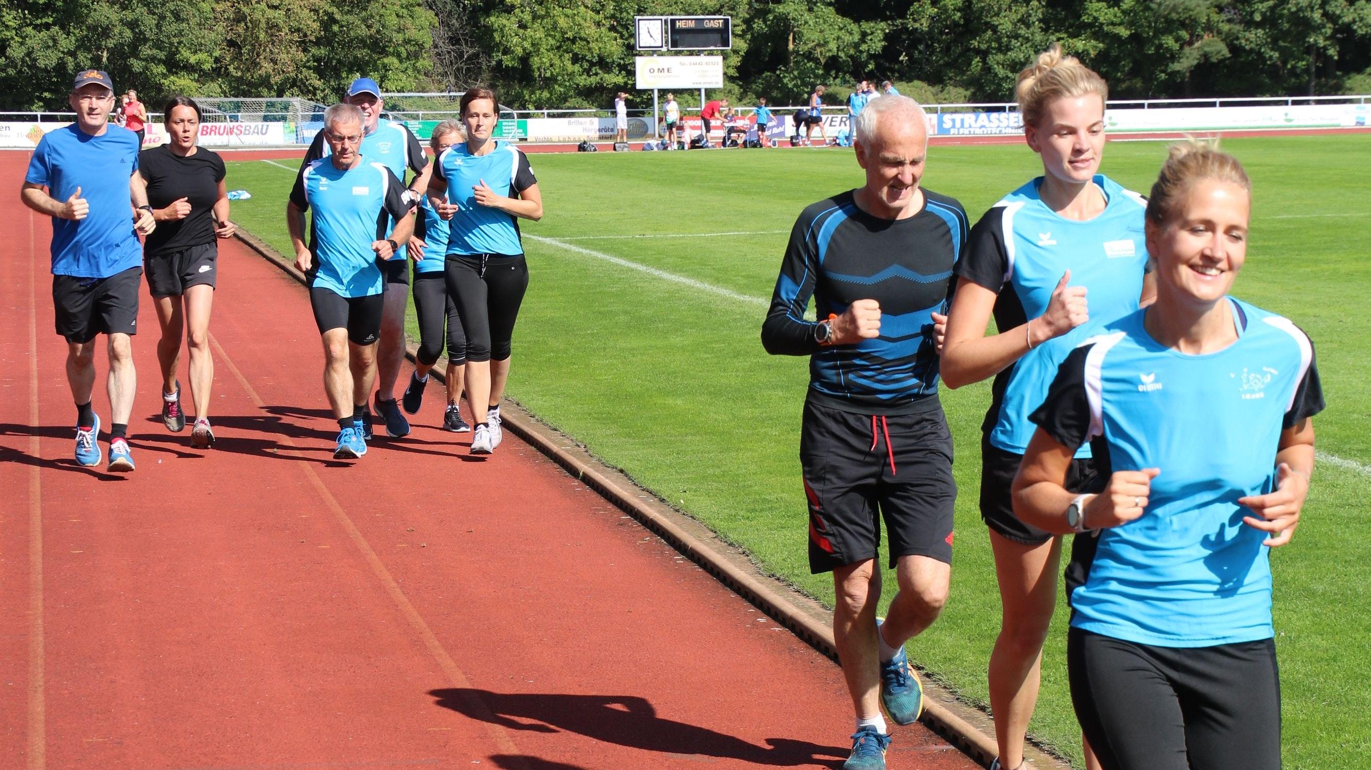 Ausdauer beweisen die Langstreckenläuferinnen und -läufer beim Ablegen ihres Sportabzeichens im Sommer. Foto: Steinke