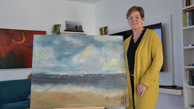 Cloppenburgerin Hedwig Lunze malt abstrakt und wird dabei konkret