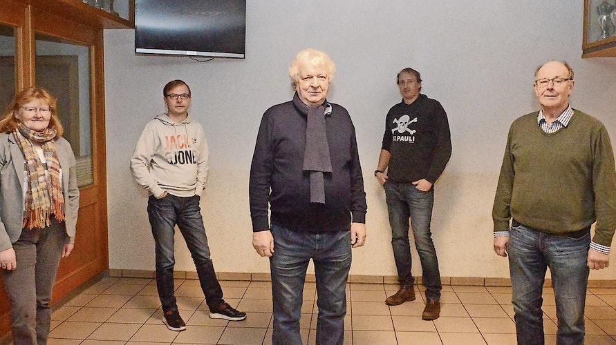 Der neue CDU-Stadtverbands-Vorstand: Heinz Ameskamp (Mitte), sowie (von links) Agnes Menke, Robert Koch, Carsten Osinski und Hans Götting.