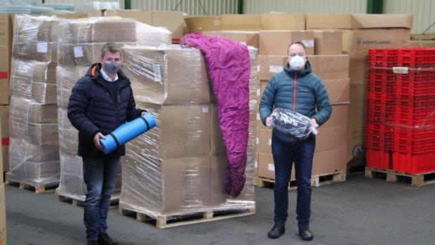 Winterpakete für Flüchtlingslager auf Lesbos liegen bereit