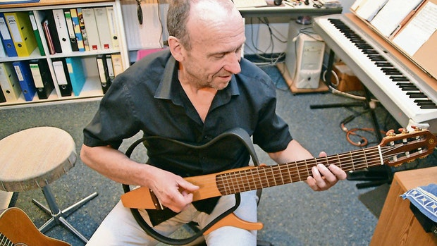 """Rhythmus im Lockdown: """"Zebu"""" greift wieder vermehrt zur Gitarre"""