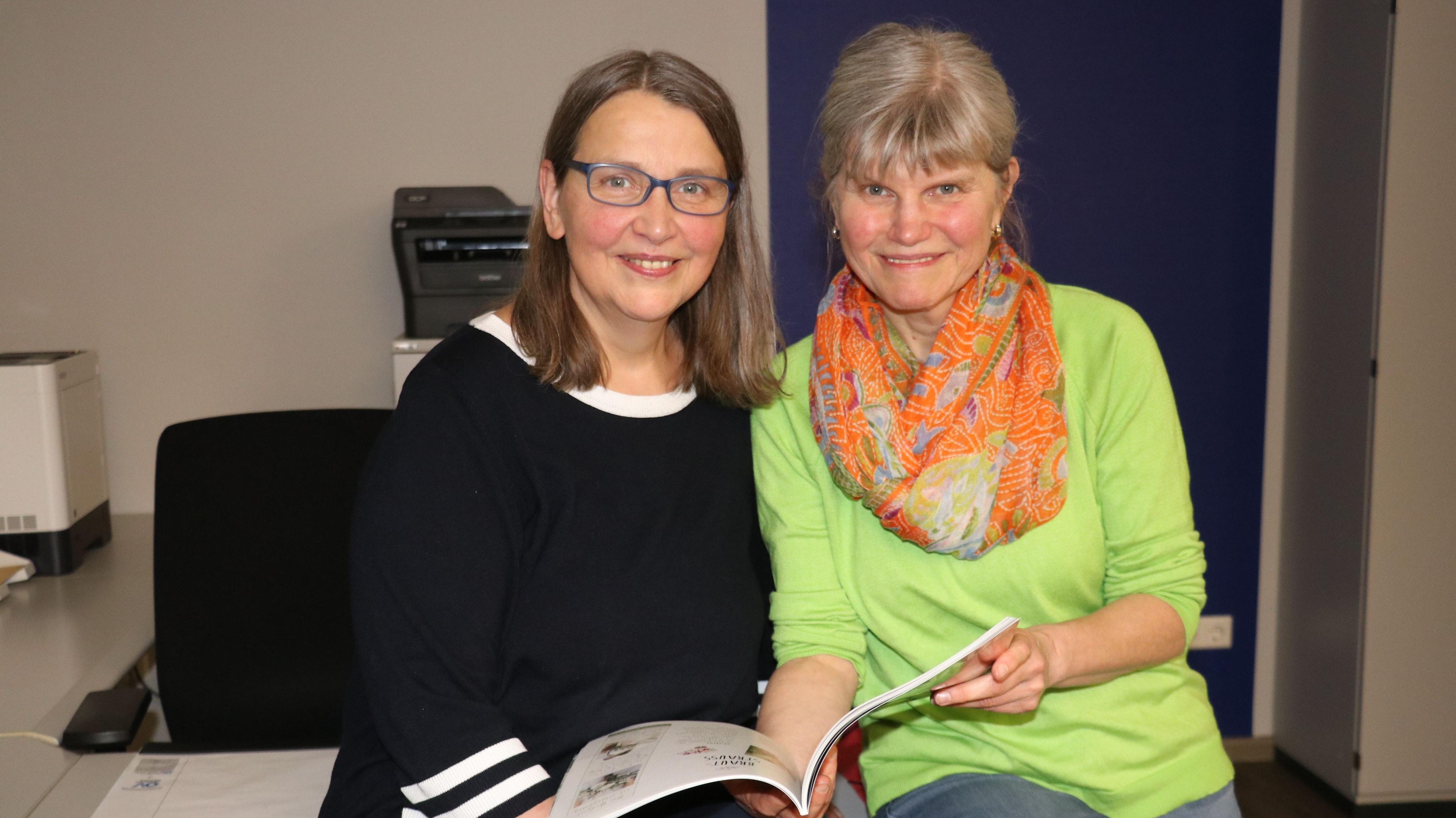 Besondere Herausforderung: Annette (links) und Petra Schwarze müssen wegen der Corona-Pandemie bei der täglichen Arbeit viele zusätzliche Auflagen beachten. Foto: Lammert