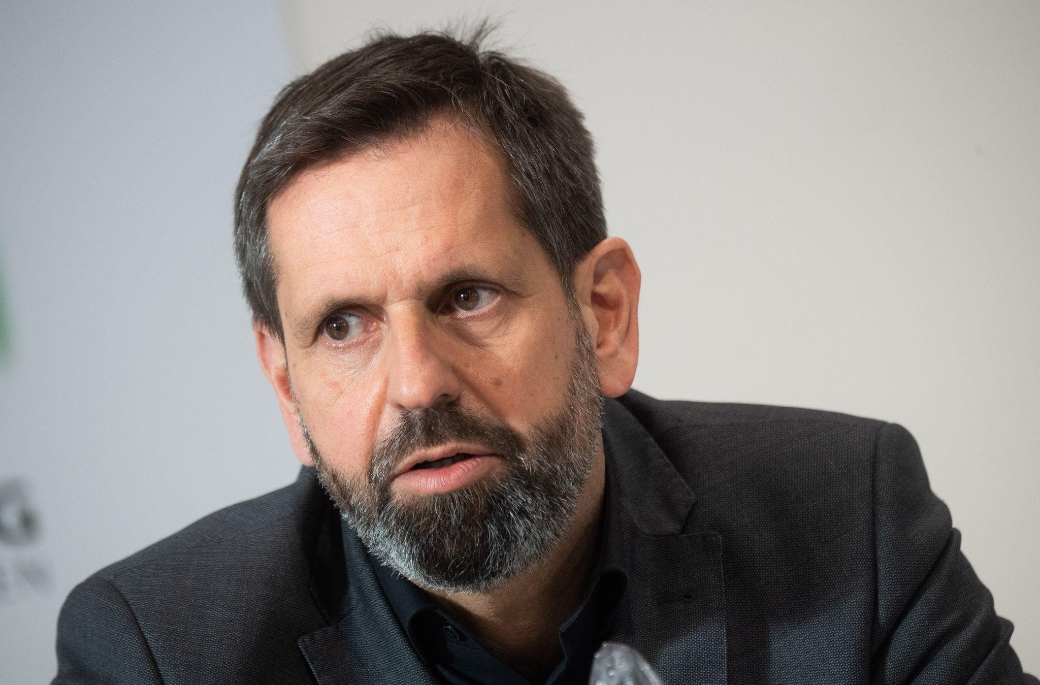 Steht wegen seiner Wolfspolitik in der Kritik: Niedersachsens Umweltminister Olaf Lies (SPD). Foto: dpa/Stratenschulte