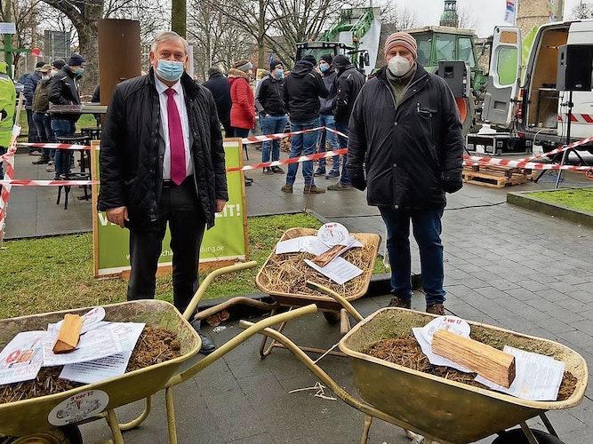 Politik schaut vorbei: CDU-Landtagsabgeordneter Karl Heinz Bley (Garrel) machte sich selbst ein Bild. Copyright: Bley