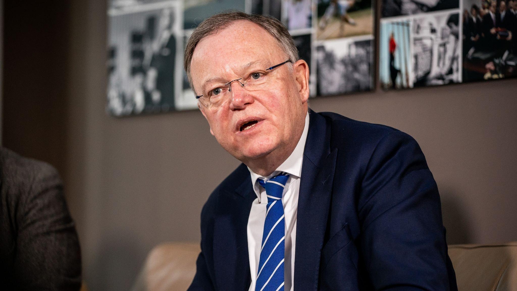 Stephan Weil (SPD) kritisiert auch die Bundesregierung Foto: dpa/Kappeler