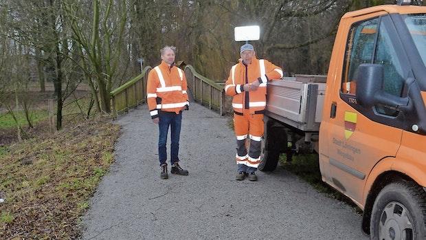 Löninger Bauhof beginnt Spazierwege zu befestigen