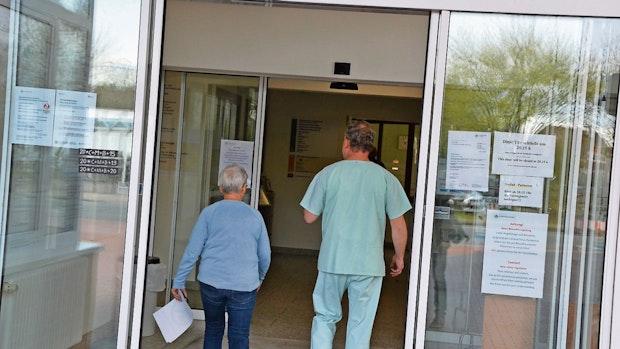 Christliches Krankenhaus schlüpft unter Rettungsschirm