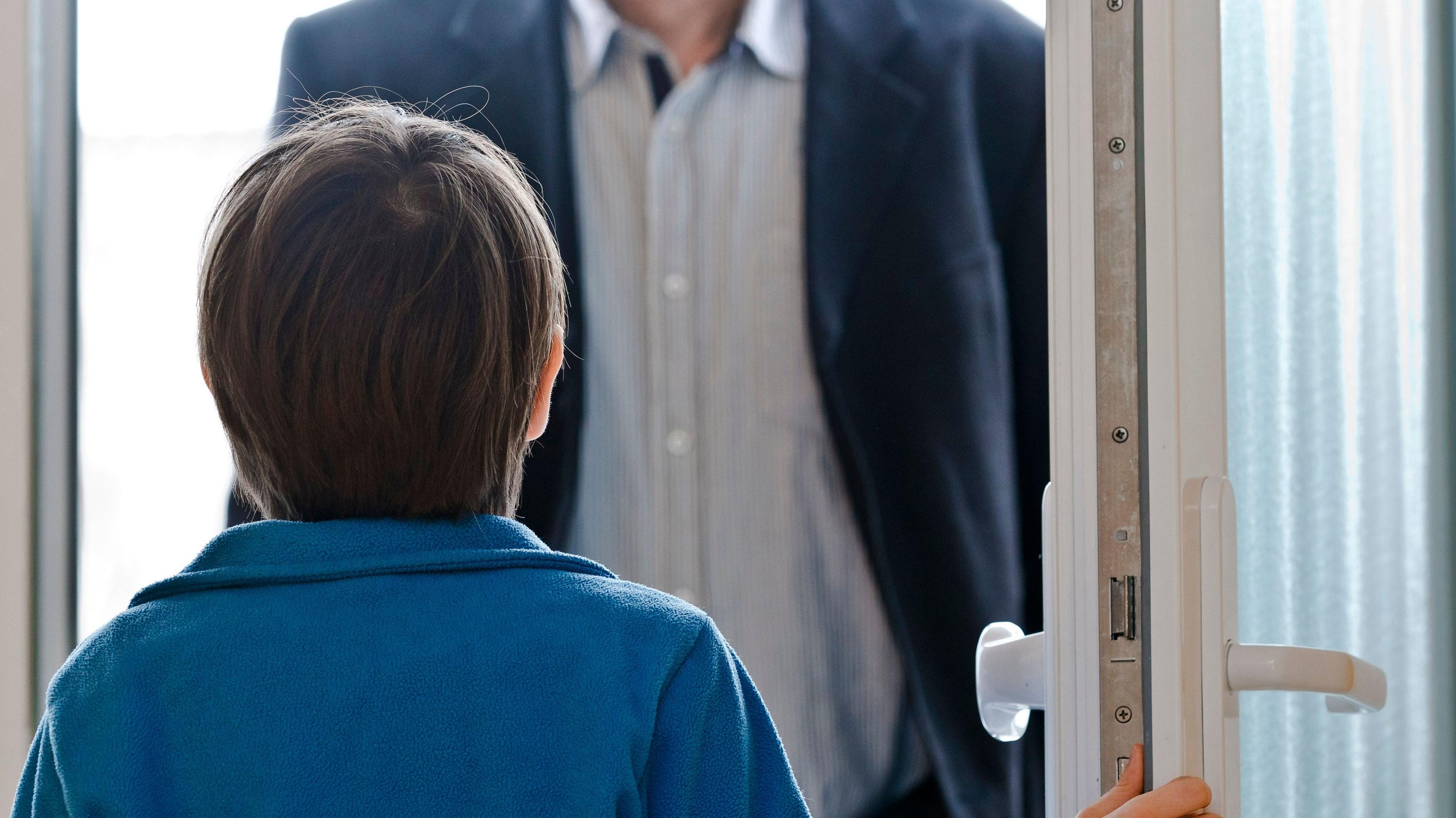 Bei Verdacht von Kindeswohlgefährdung: Die Institutionen arbeiten eng mit dem Jugendamt zusammen. Symbolfoto: dpa/Scholz