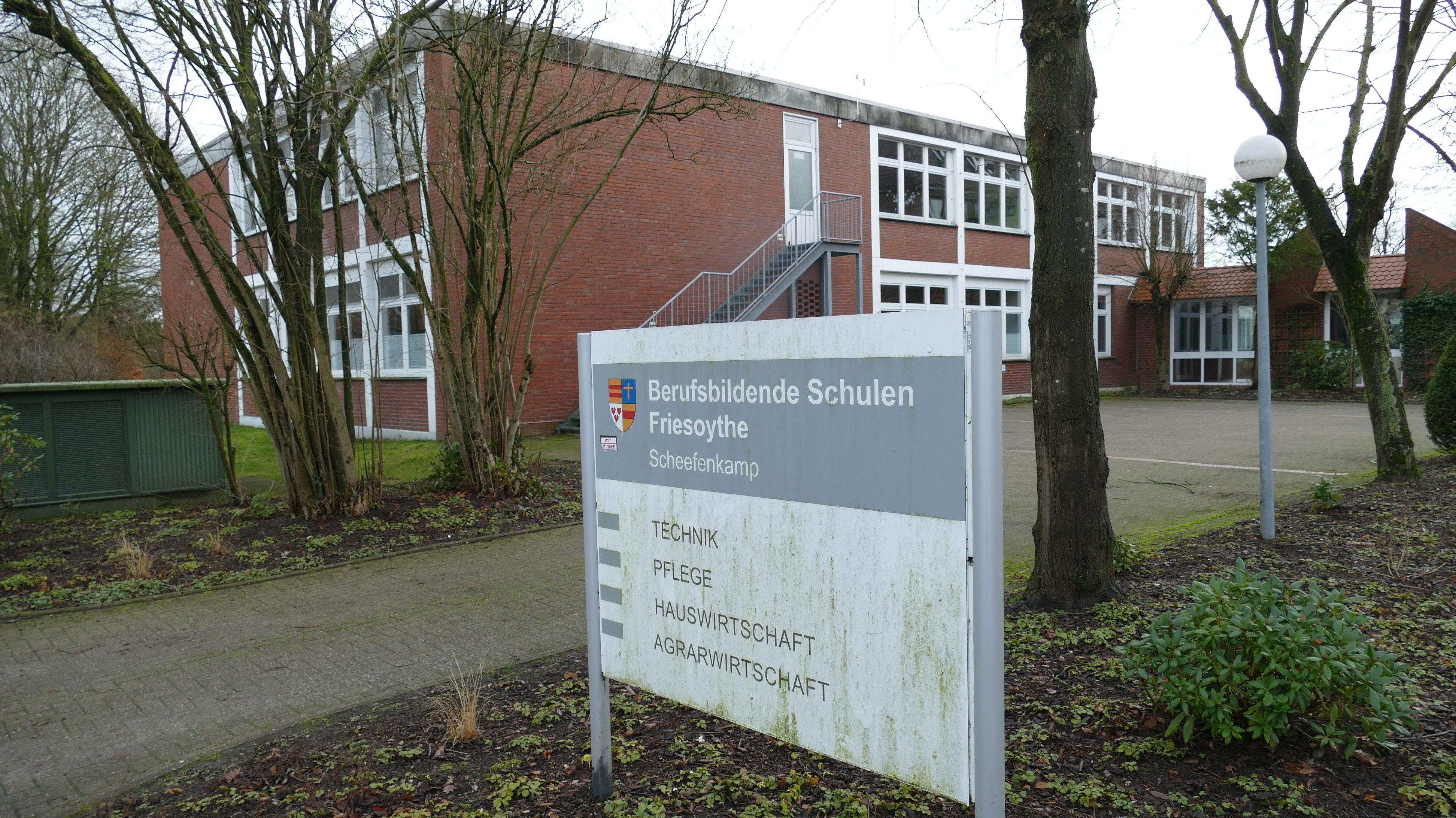 Neues Stockwerk: Der Flachbau am BBS-Standort Scheefenkamp soll aufgestockt werden, um Platz für dringend benötigte neue Unterrichtsräume zu schaffen. Foto: Stix