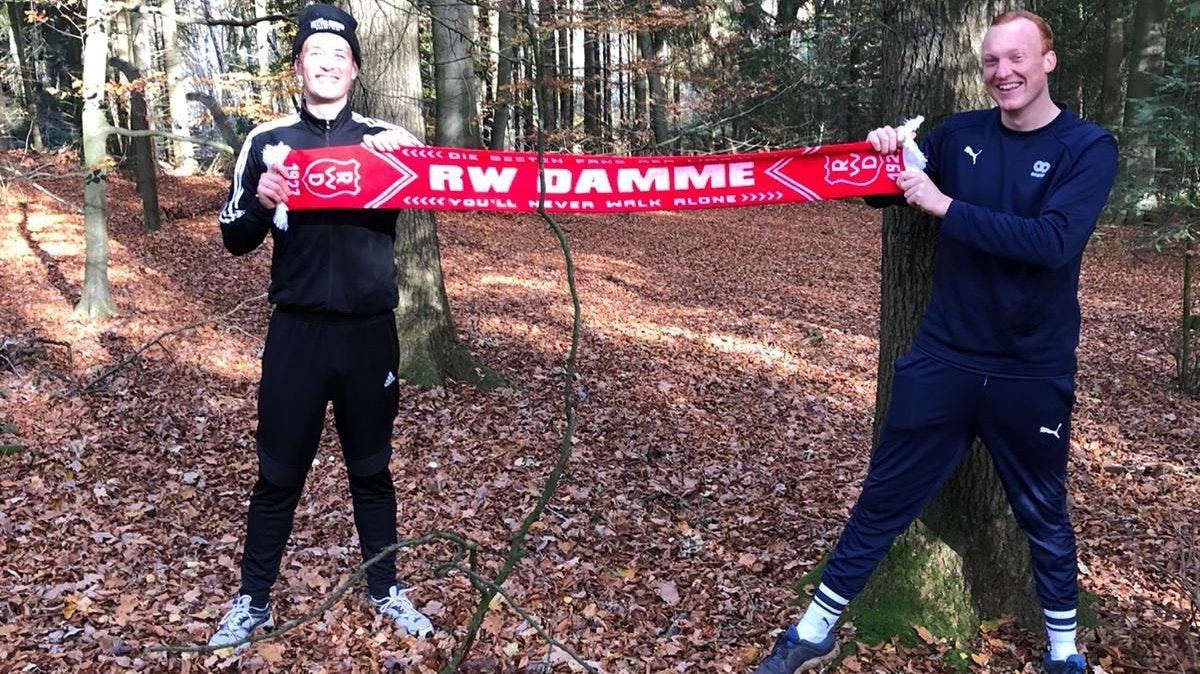 Ein Lauf in der Natur: Florian Biestmann (links) und Scott van Kleef aus der 3. Herren. Foto: Uphaus