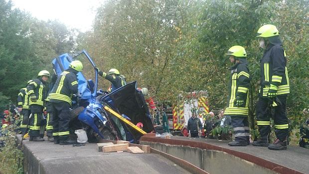 Feuerwehren proben umfangreiches Einsatzszenario