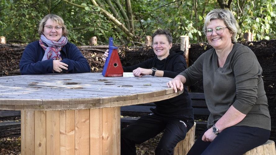 Zeit für eine Pause: Der Verein Bünne erleben hat in den vergangenen Monaten einige Rastplätze in der Dinklager Bauerschaft wieder auf Vordermann gebracht. Foto: Scholz