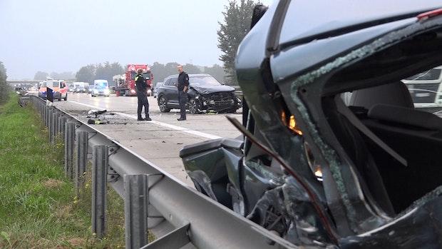 Mehrere Verletzte bei Unfall auf der A1
