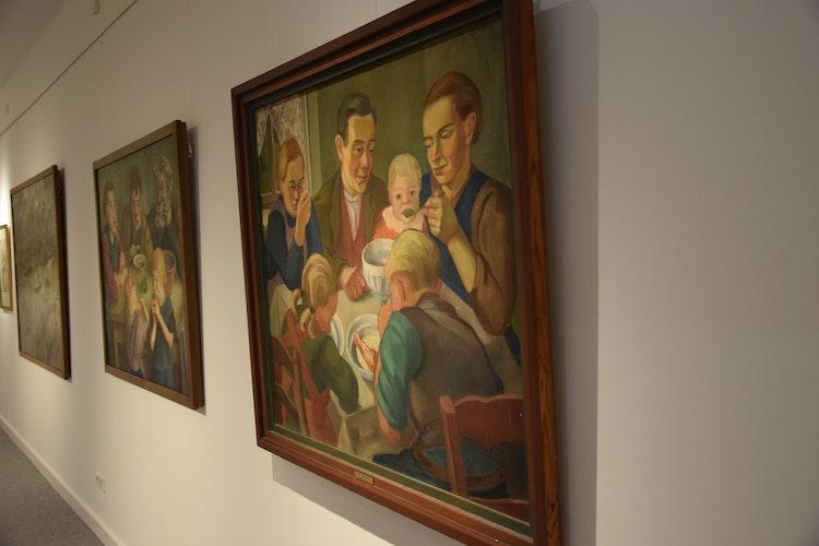 Bauernmahlzeit: Eines der bekanntesten Gemälde aus Öl- und Leimfarben auf einer Leinwand von Luzie Uptmoor aus dem Jahr 193536.