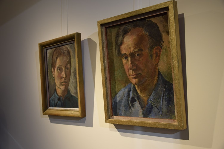 Im Mittelpunkt der Ausstellung: Luzie Uptmoor und Peter Ludwigs.