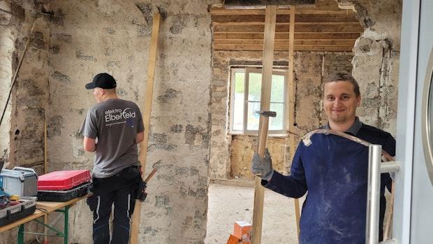 Thüler Elektriker versorgen an der Ahr 6 Häuser in 2 Tagen mit Strom