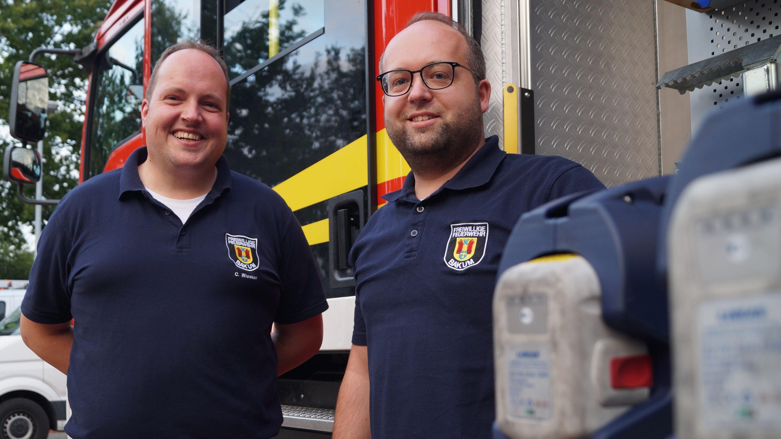 Engagieren sich gerne: Christian Wienken (links) und Daniel Kenkel sind die Bakumer Ortsbrandmeister. Foto: C. Meyer