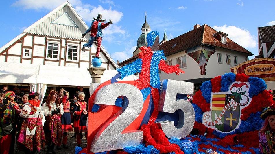 Die Narren sind los: Am 20. und 21. Februar kommenden Jahres sollen die Dammer Carnevalsumzüge unter der 2G-Regelung stattfinden. Foto: Lammert