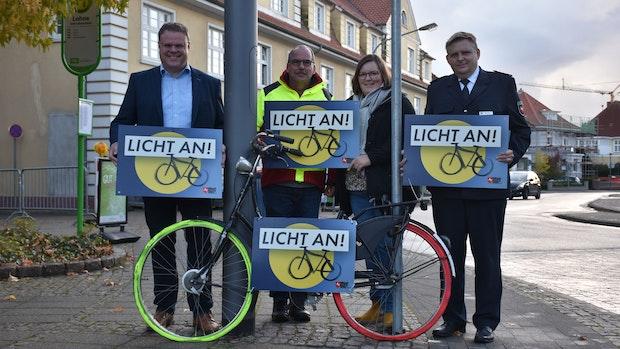 """Aktion """"Licht an"""" in Lohne: Radfahrer sollen erleuchtet werden"""