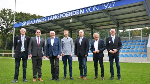 SV Blau-Weiß Langförden präsentiert seine neue Tribüne