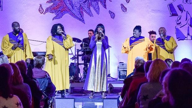 Mit Gesang und Gebet zu einem spirituellen Erlebnis