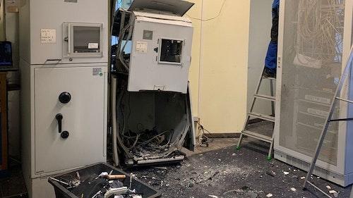 Geldautomat gesprengt: Die Polizei hat eine erste Spur