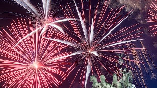 Nach einem leisen Silvester: Jahreswechsel wieder mit Böllern und Raketen?