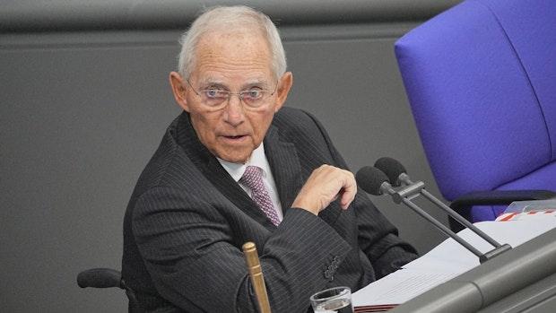 Schäuble mahnt rasche Änderung des Wahlrechts an