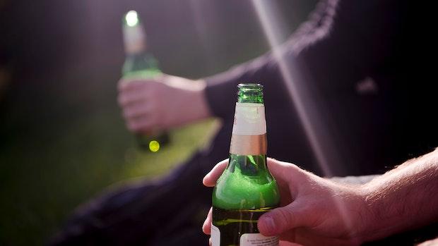 Ein Bier für 600 Euro: Trio kommt Einbruch in Wohnung teuer zu stehen