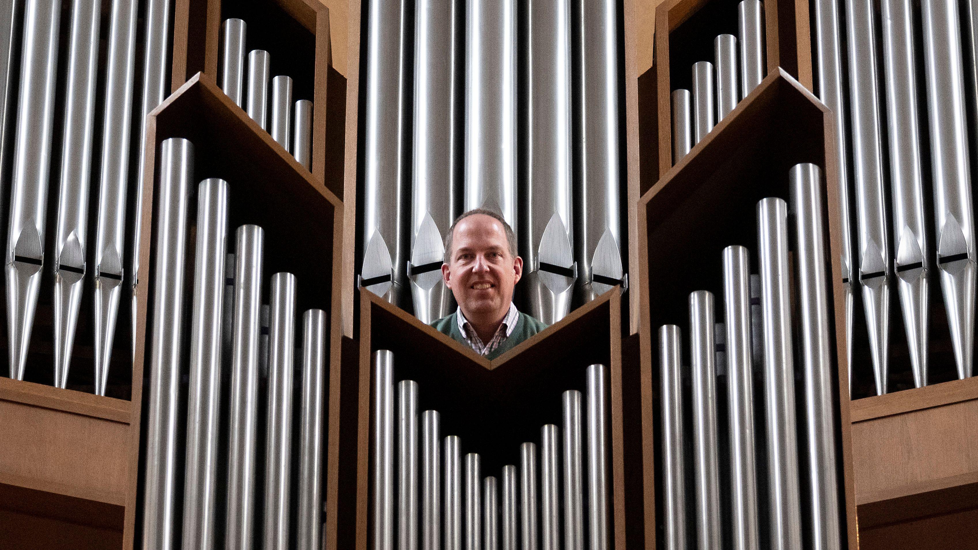 In seinem Element: Thorsten Meyer hat schon als Teenager an der Orgel gesessen. Foto: Thomas Vorwerk