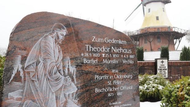 Barßeler setzen Offizial zum 200. Geburtstag ein Denkmal