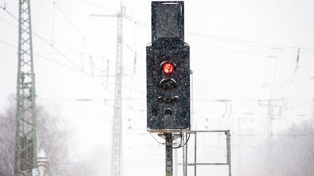 Nach Wintereinbruch: Die Verkehrslage in Niedersachsen