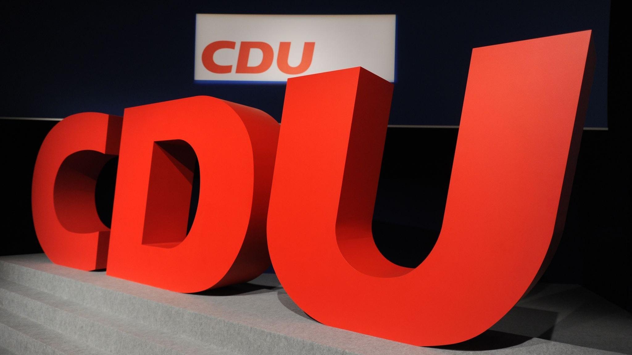 Um das Ehrenamt zu stärken, bringt die Holdorfer CDU-Fraktion drei Vorschläge in die politischen Gremien ein. Foto: dpa