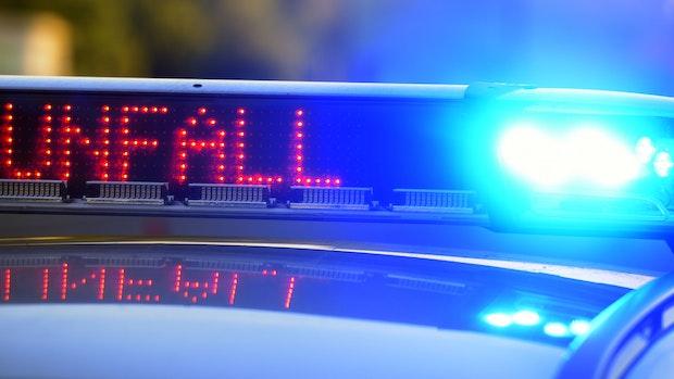 7-Jähriger baut Unfall mit Mamas Auto