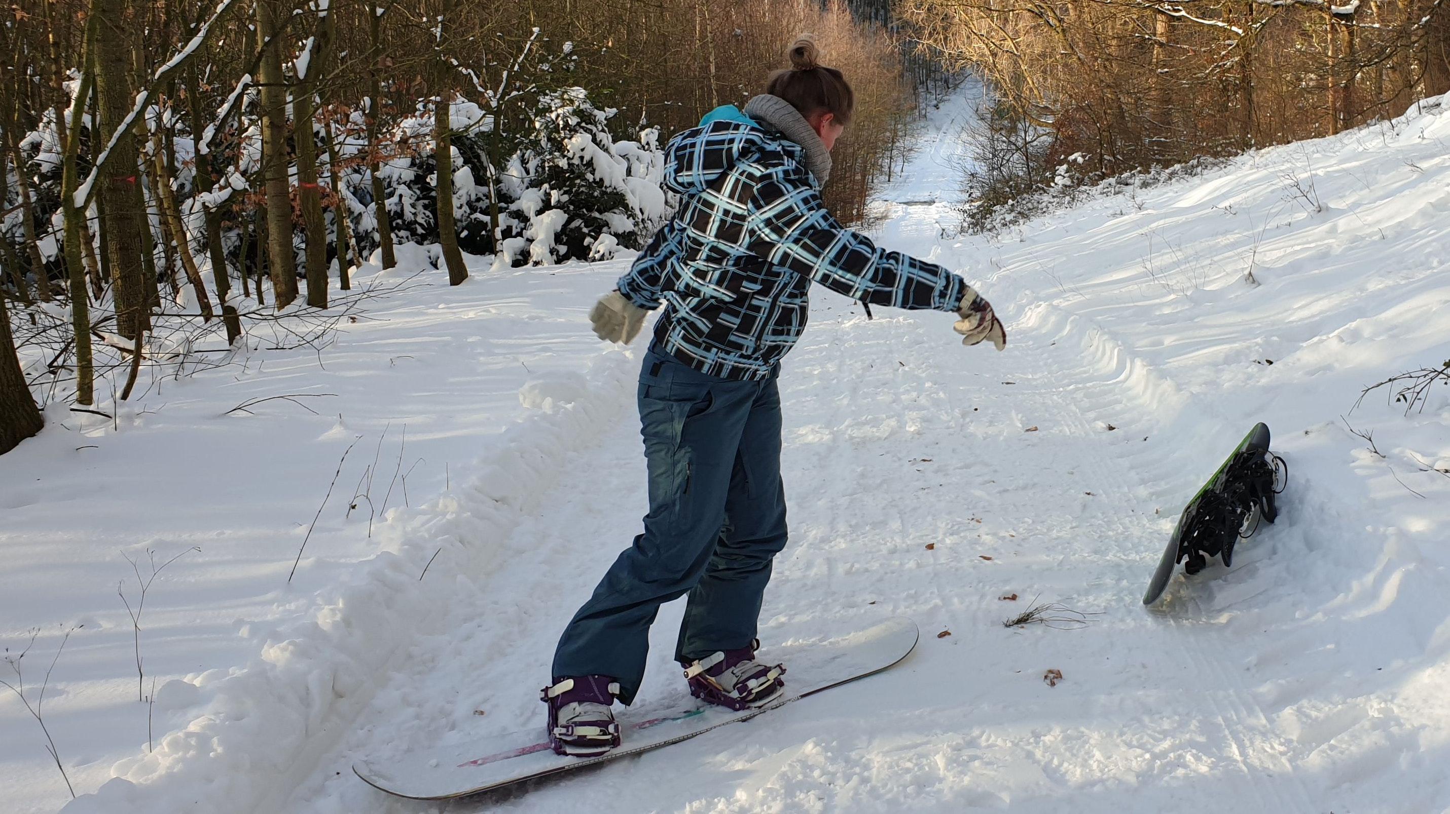 Fast wie in den Alpen: Marion Rusche mit dem Snowboard in den Dammer Bergen. Foto: TuS Neuenkirchen