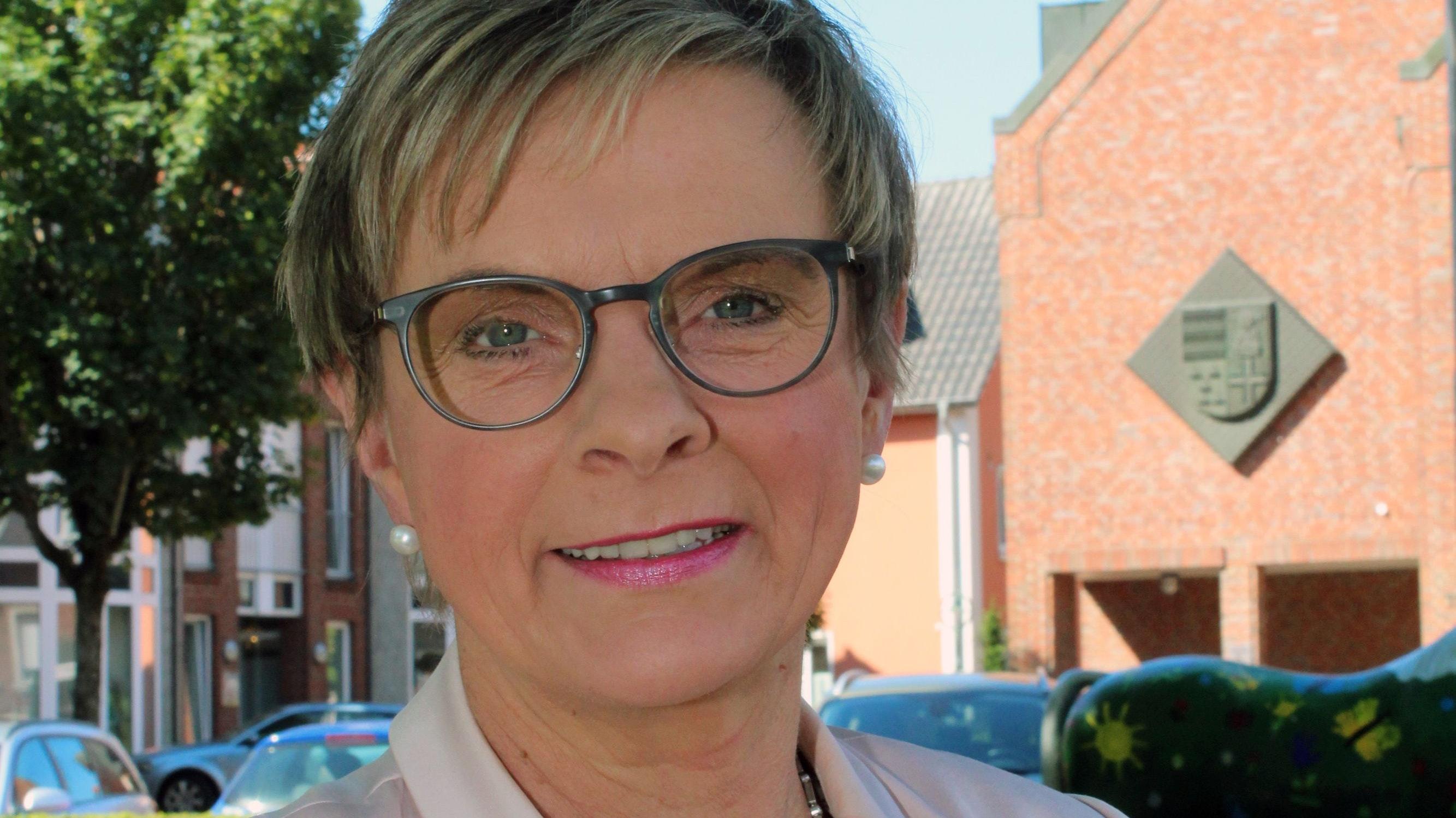 Seit 2006 ist sie Bürgermeisterin der Gemeinde Steinfeld: Manuela Honkomp. Foto: Hoffmann