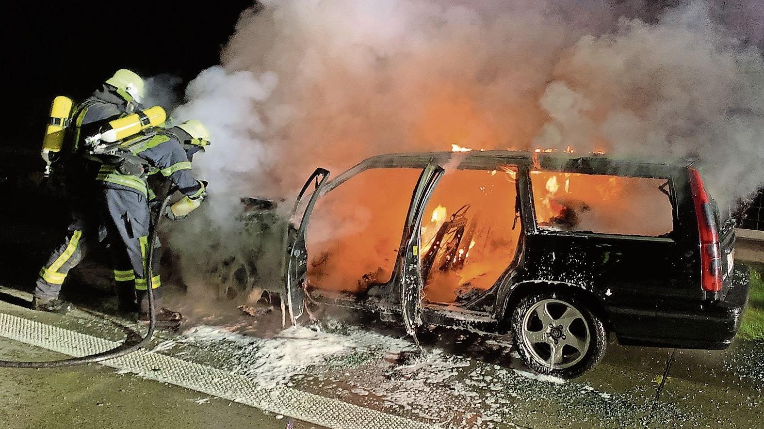 Fahrzeugbrand: Auch die Autobahnen 1 und 29 gehören zum Einsatzgebiet der Emsteker Feuerwehr. Brennt dort ein Auto, werden die Kameraden alarmiert. Foto: FFW Emstek
