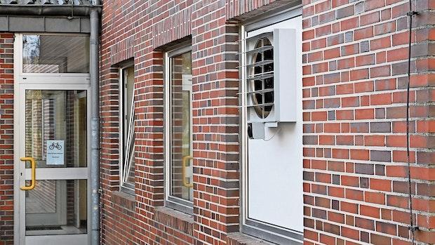 Stall-Lüfter pustet Klassenzimmer in Cappeln frei