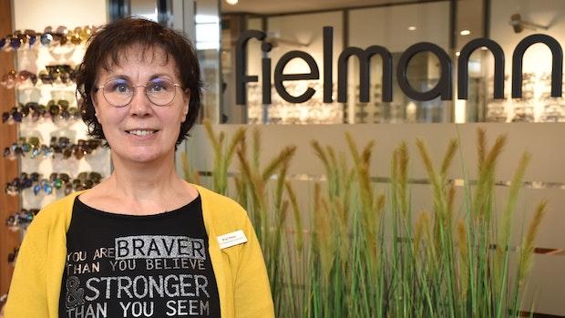 Birgit Meyer war eine der ersten Azubis bei Fielmann – nun geht sie in den Ruhestand