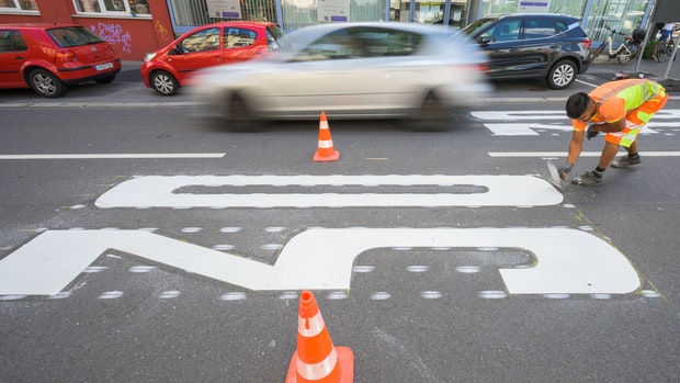 Damit die Straßen sicherer werden: Alte Wohngebiete werden Tempo-30-Zonen